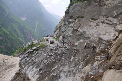 massive rock fall took out this huge chunk of road on the way to Tiger Leaping Gorge